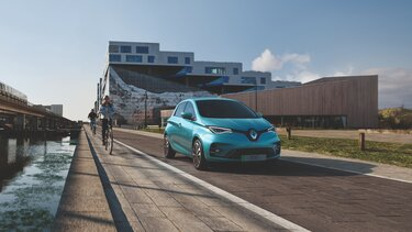 Blue Renault ZOE exterior front end