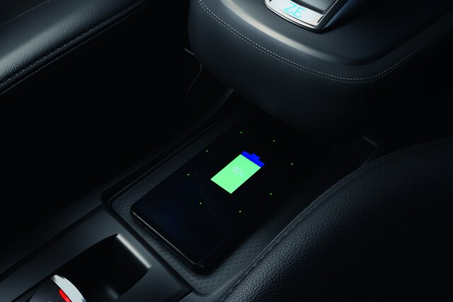 Renault smartphone charger