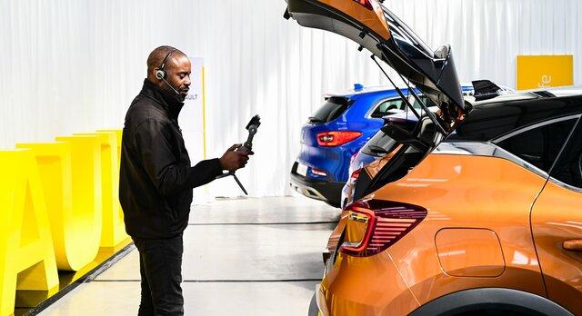 Renault CLIO Virtual Showroom