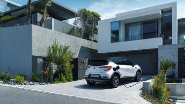 Renault Captur SUV At Home Charge