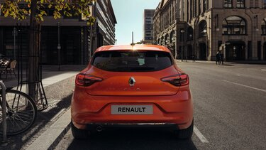 CLIO orange rear view