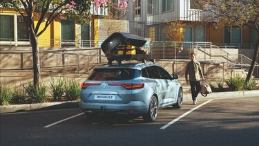 All-New MEGANE Sport Tourer roof bars and roof box