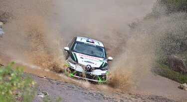 New Clio Rally makes successful debut