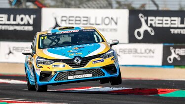 First races for New CLIO Cup car