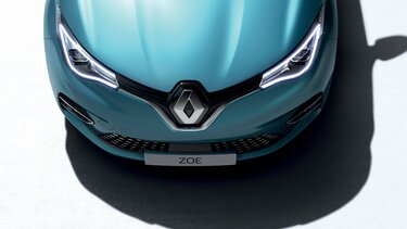 Renault ZOE - A hűtőrács, a fényszórók és a motorháztető közelről