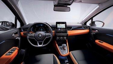 Renault CAPTUR városi SUV belső tere, műszerfal, kormány, MULTI-SENSE fények