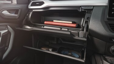 glove boxes volume of 14.9L