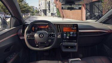 Nuova Renault Megane E-Tech 100% elettrica - interni, cruscotto, sistema multimediale