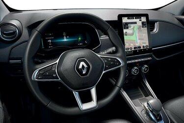 Renault ZOE volante e schermo conducente