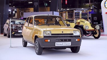 RENAULT 5 SALON RETROMOBILE