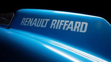 RENAULT-RIFFARD TANK zoom