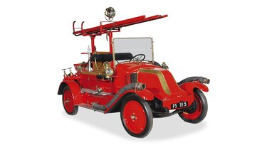 RENAULT TYPE LO FIRE ENGINE