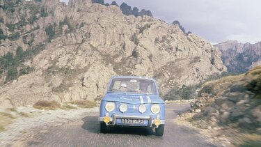 RENAULT 8 GORDINI in the mountains