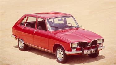 RENAULT 16 red