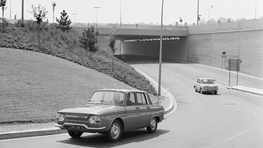 RENAULT 10 MAJOR on the road