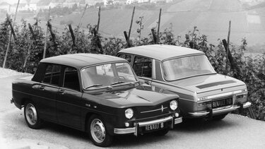 Two RENAULT 10 MAJOR models side by side