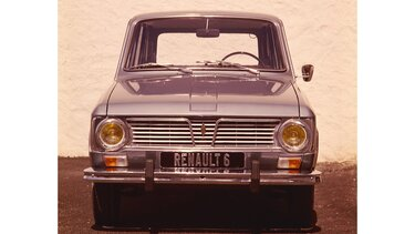 RENAULT 6 front end
