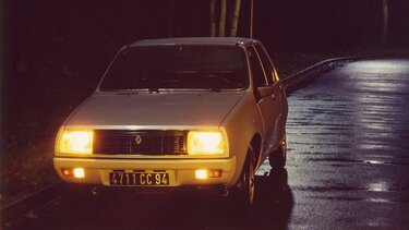 RENAULT 14 blanche nuit