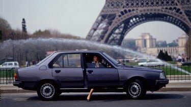 RENAULT 18 Eiffel Tower