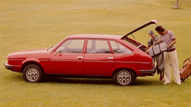 RENAULT 20 red