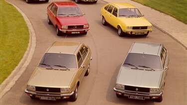 Four RENAULT 20 models on the road