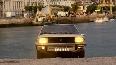 RENAULT 20 front end