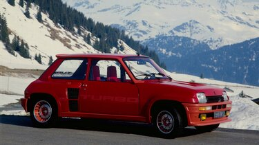 RENAULT 5 TURBO red in the mountains