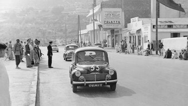 RENAULT 4 CV on the road