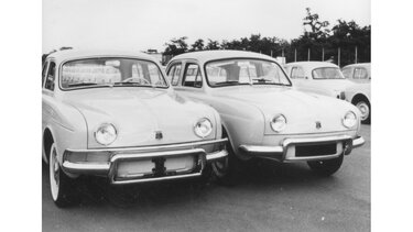 Two RENAULT DAUPHINE models side by side