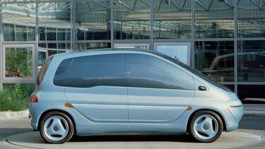 CONCEPT-CAR SCENIC gris de profil