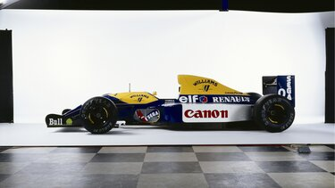 F1 TYPE FW15 exposition
