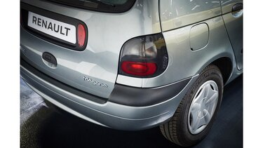 RENAULT SCENIC close-up rear view