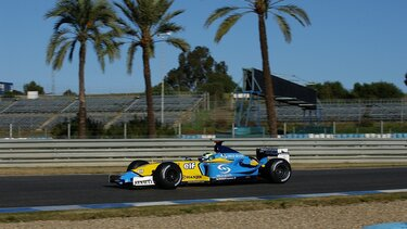 RENAULT F1 R23 course