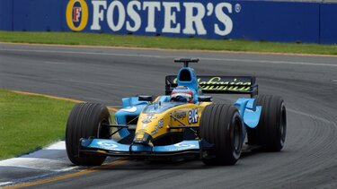 RENAULT F1 R24 on the bend of race track