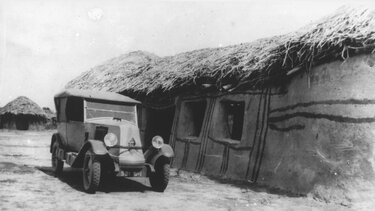 RENAULT TYPE NN in front of a hut