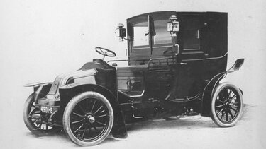 RENAULT TYPE AX black and white drawing