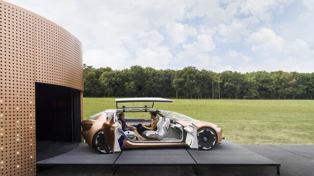 Renault SYMBIOZ Concept - side view