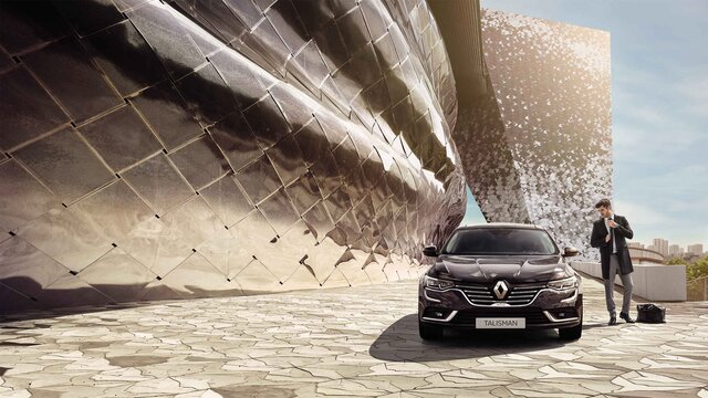 Renault TALISMAN INITIALE PARIS z przodu