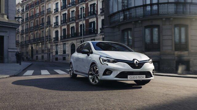 Renault CLIO E-TECH Hybrid in de stad