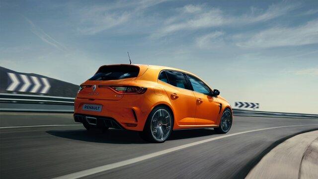 Nowe Renault MEGANE R.S. w kolorze pomarańczowym z tyłu