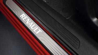 Renault KADJAR – Beleuchtete Einstiegsleisten