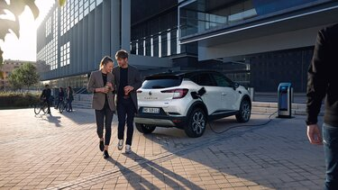 Renault CAPTUR:s exteriör med orange lack