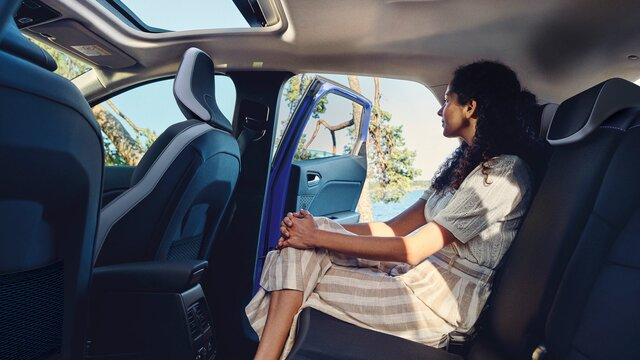 Renault CAPTUR, orange interiør