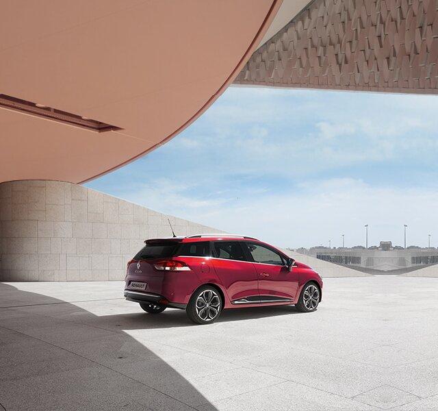 Vista laterale CLIO Grandtour rossa