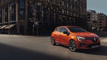 Exterior mașină mică CLIO portocaliu