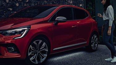 Renault CLIO citadino preto
