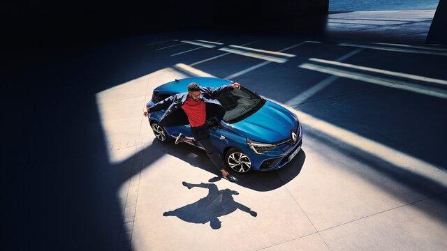 CLIO R.S. Line külső megjelenése elöl, kék
