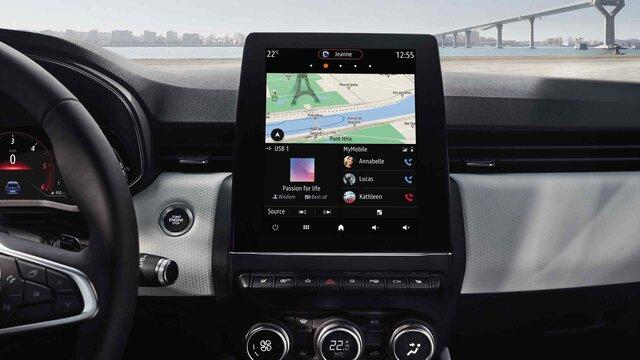 CLIO interior driver's screen