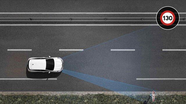 Renault CLIO Recunoaște semnele de circulație