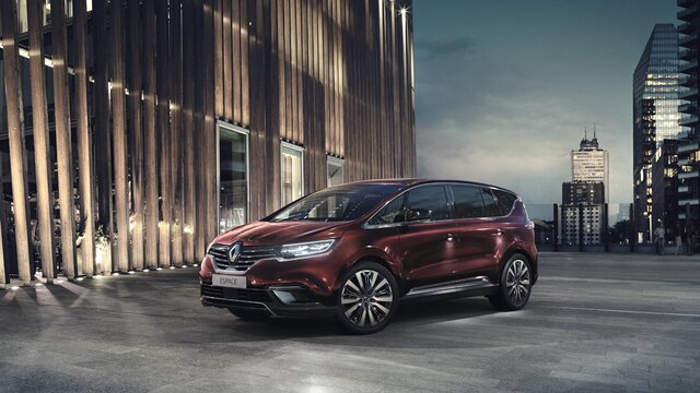Nouveau Renault ESPACE, le grand crossover adapté aux longues distances.